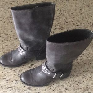 NWOT  Simply Vera  Vera Wang Rhinestone Boots 7.5M
